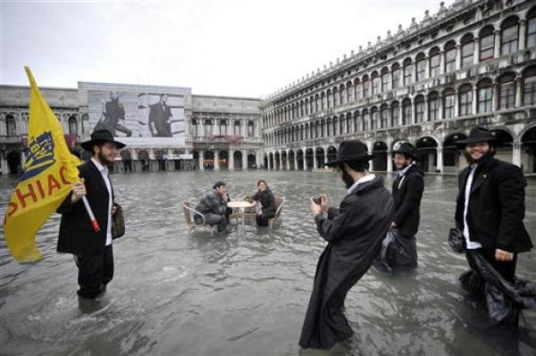 Venice, seasonal high water, 130 cm (4 ft) above normal, Michele Crosera, Reuters