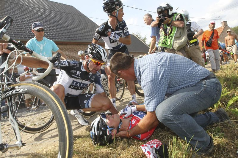 TdF Crash 012