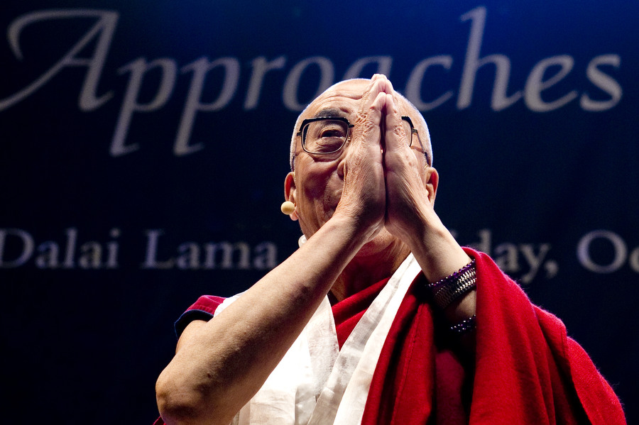 CO-DalaiLama02
