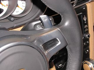 911 T Cab paddle close-up