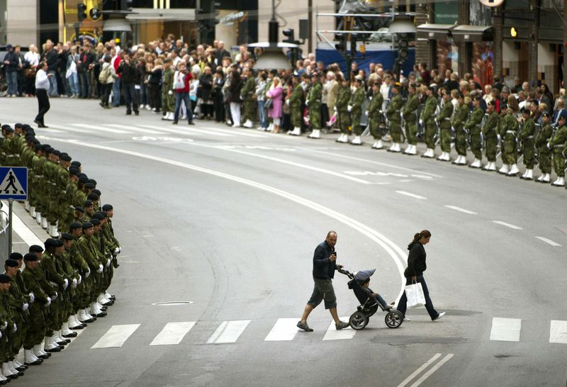 SWEDEN-ROYALS-MARRIAGE-MILITARY