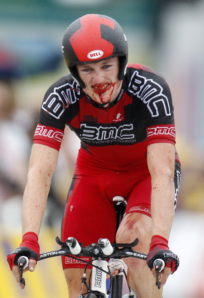 TdF Crash 017