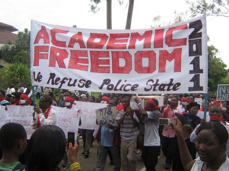 Lecturers leaving the Chanco campus during their march to the ER Police in ZA published 22.3.2011 (1)