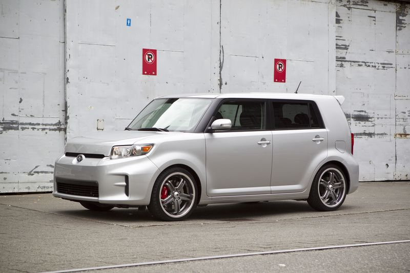 2011_Scion_xB_20
