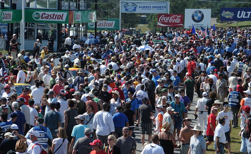 Mosport crowds