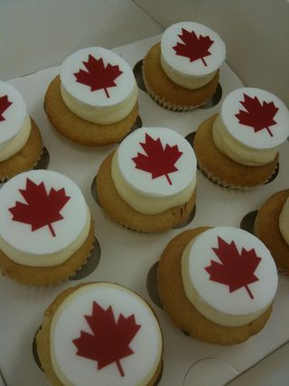 canada day cupcakes. Here are some Canada Day