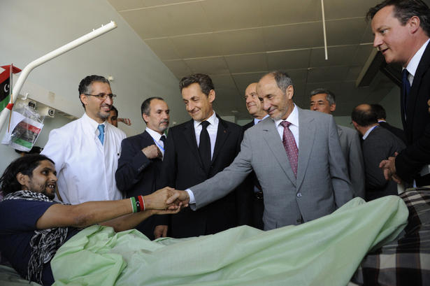 Sarko and Cameron visit injured in Tripoli