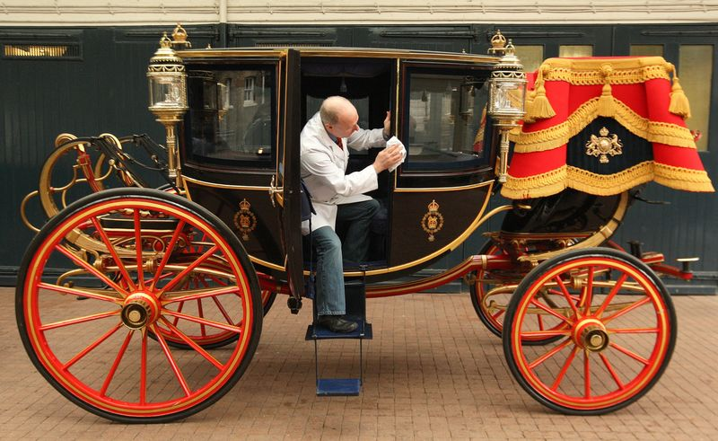 Glass carriage