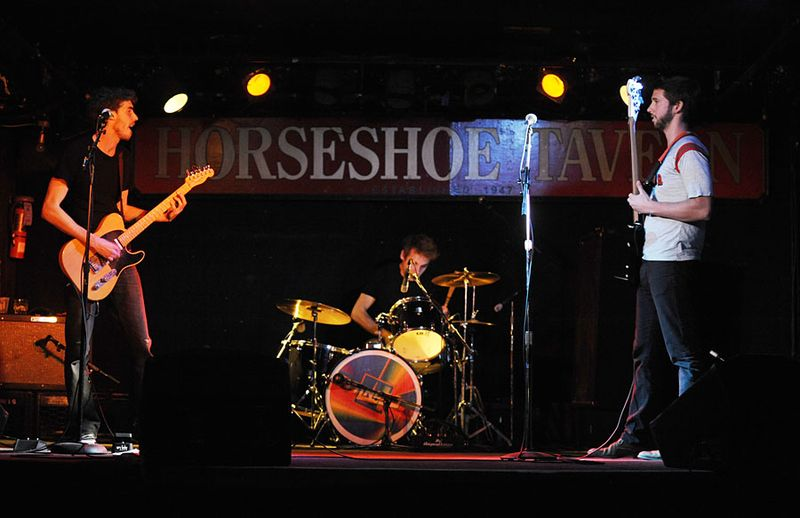 111028_queen_horseshoe