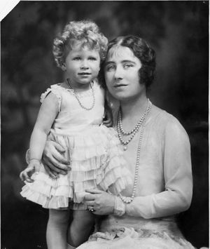 Queen elizabeth 1930 with princess elizabeth