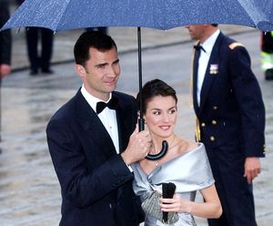Spain's Crown Prince Felipe and his fiancee Letizia Ortiz 2004