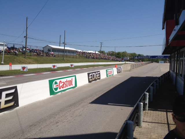 Mosport crowd