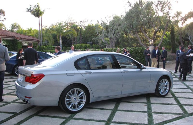BMW new 7 (Medium)
