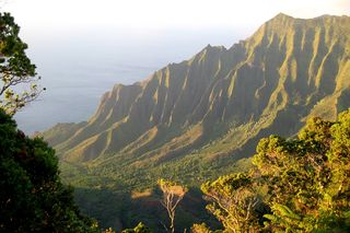 NaPali_overlook_Kalalau_Valley