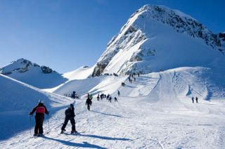 Whistler-mountain-skiing