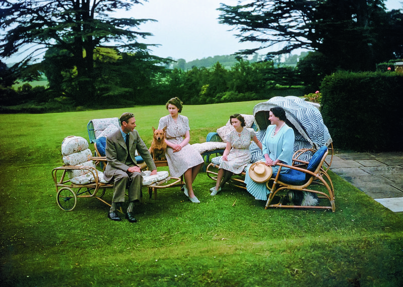Bettman Corbis Lisa Sheridan family at Great Lodge Windsor Park 1949