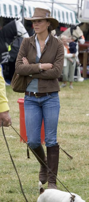 TETBURY, ENGLAND - AUGUST 6 Kate Middleton, girlfriend of Prince William, attends the second day of the Gatcombe Park Festival of British Eventing at Gatcombe Park, on August 6, 2005 near Tetbury, England.