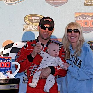 HarvickFamilyinVictoryLane